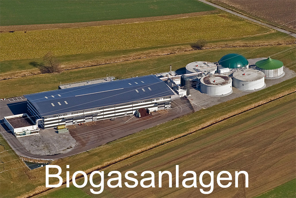 Foto: BIOGASANLAGEN. (Luftaufnahme von Niklaus Wächter)