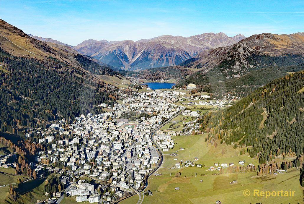 Foto: Davos GR liegt auf 1560 Meter über Meer. (Luftaufnahme von Niklaus Wächter)