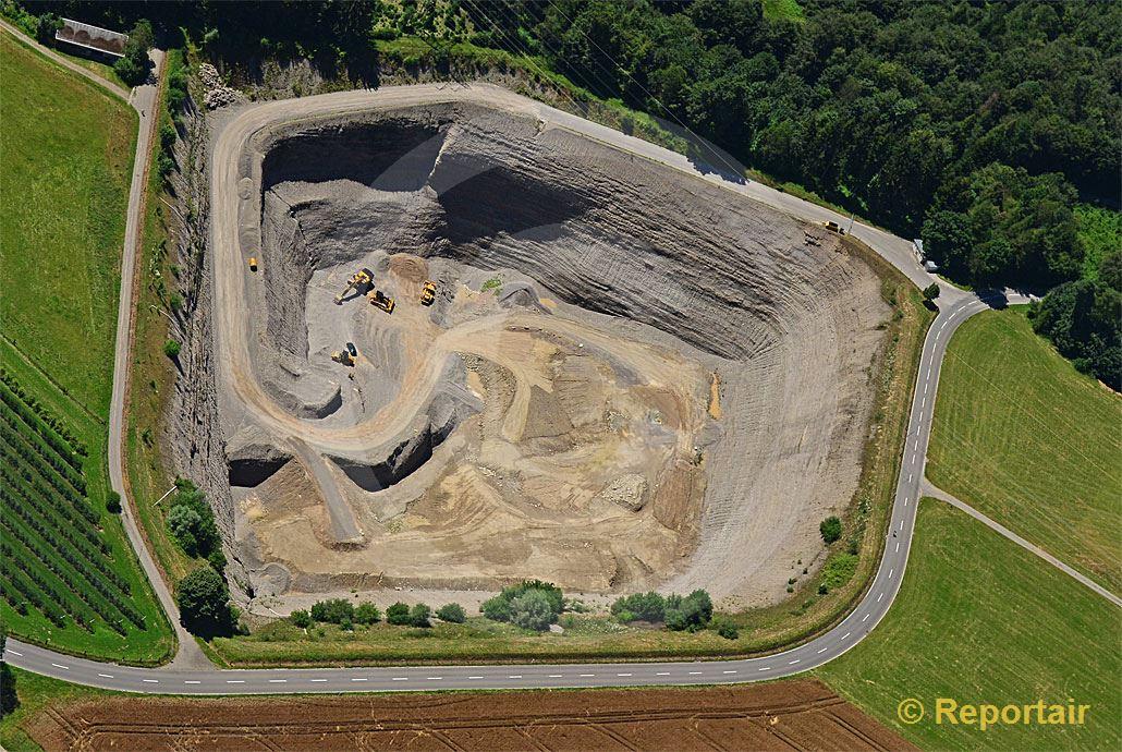 Foto: Kiesabbau bei Ottenhausen ZH. (Luftaufnahme von Niklaus Wächter)