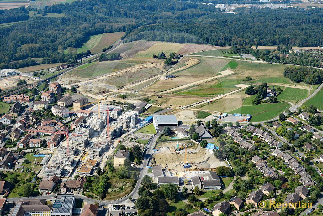 Foto: Bussigny VD bei Lausanne wächst weiter. (Luftaufnahme von Niklaus Wächter)