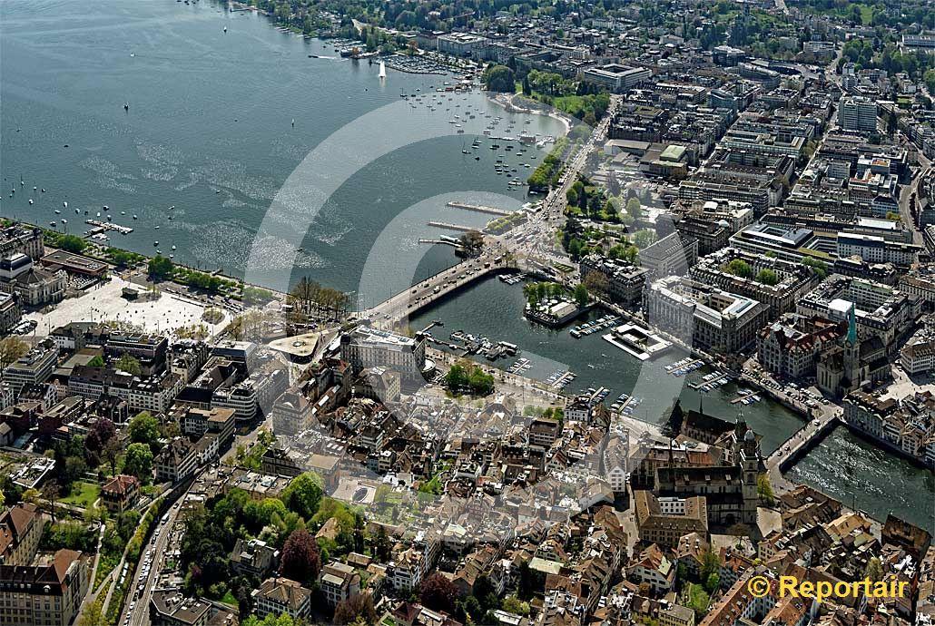 Foto: Zürich mit seinem Bellevue und dem Sechseläutenplatz. (Luftaufnahme von Niklaus Wächter)
