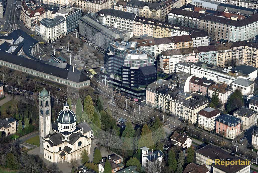 Foto: Das Fifa-Museum an der Seestrasse 27 in Zürich am südwestlichen Stadtrand. (Luftaufnahme von Niklaus Wächter)