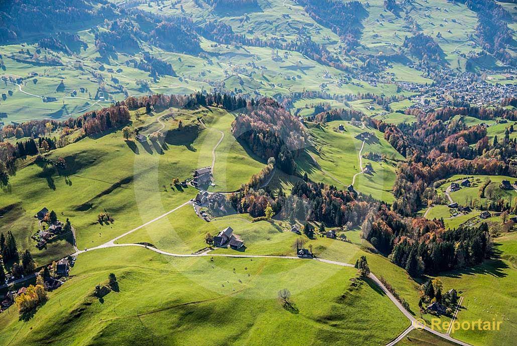 Foto: Ländliche Idylle in Ebnat am Kappel SG. (Luftaufnahme von Niklaus Wächter)