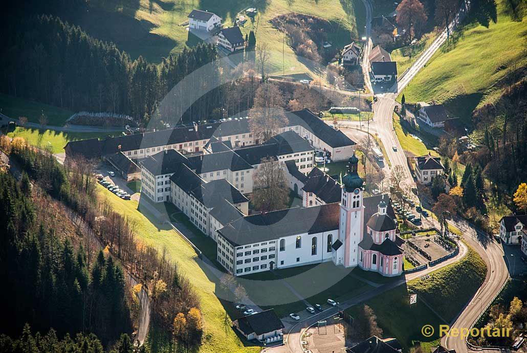 Foto: Das Kloster Fischingen TG. (Luftaufnahme von Niklaus Wächter)