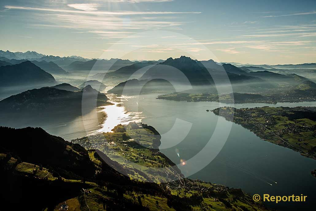 Foto: Der Vierwaldstättersee . (Luftaufnahme von Niklaus Wächter)