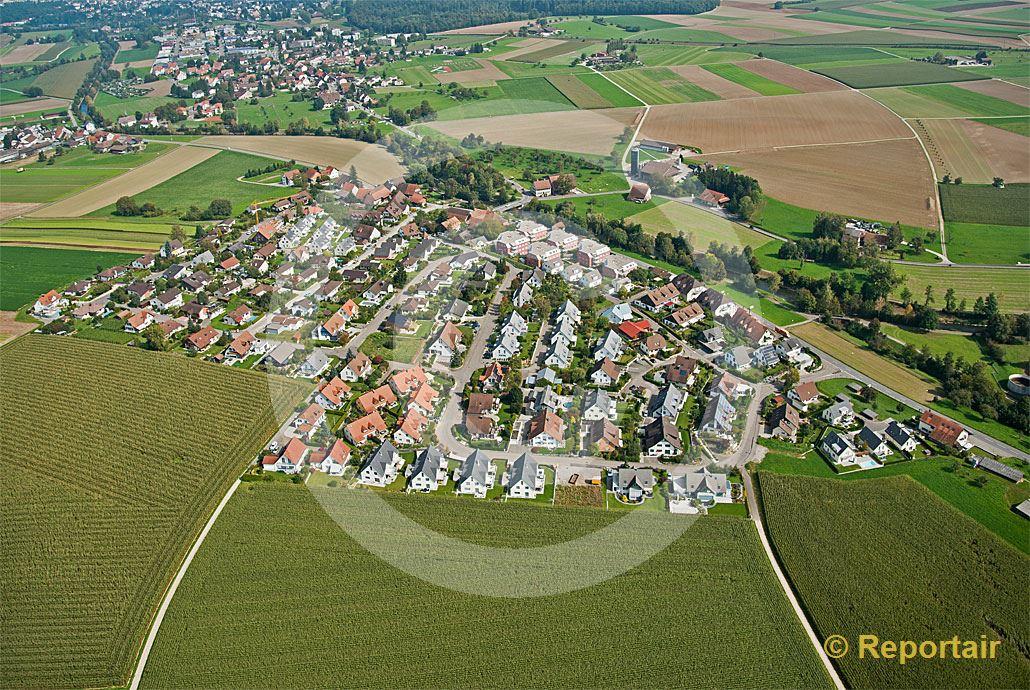 Foto: Vorbildliche Besiedlungsstruktur in Oberhöri (ZH). (Luftaufnahme von Niklaus Wächter)