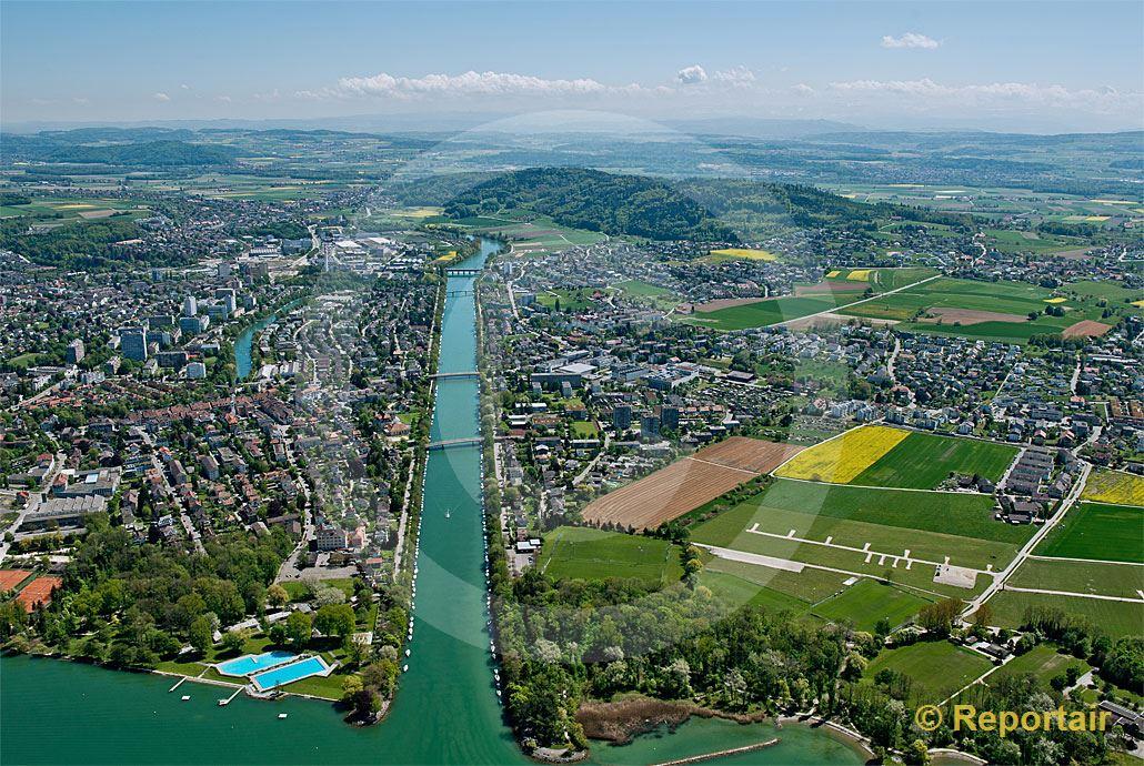 Foto: Nidau bei Biel mit seinem Nidau-Büren-Kanal.. (Luftaufnahme von Niklaus Wächter)
