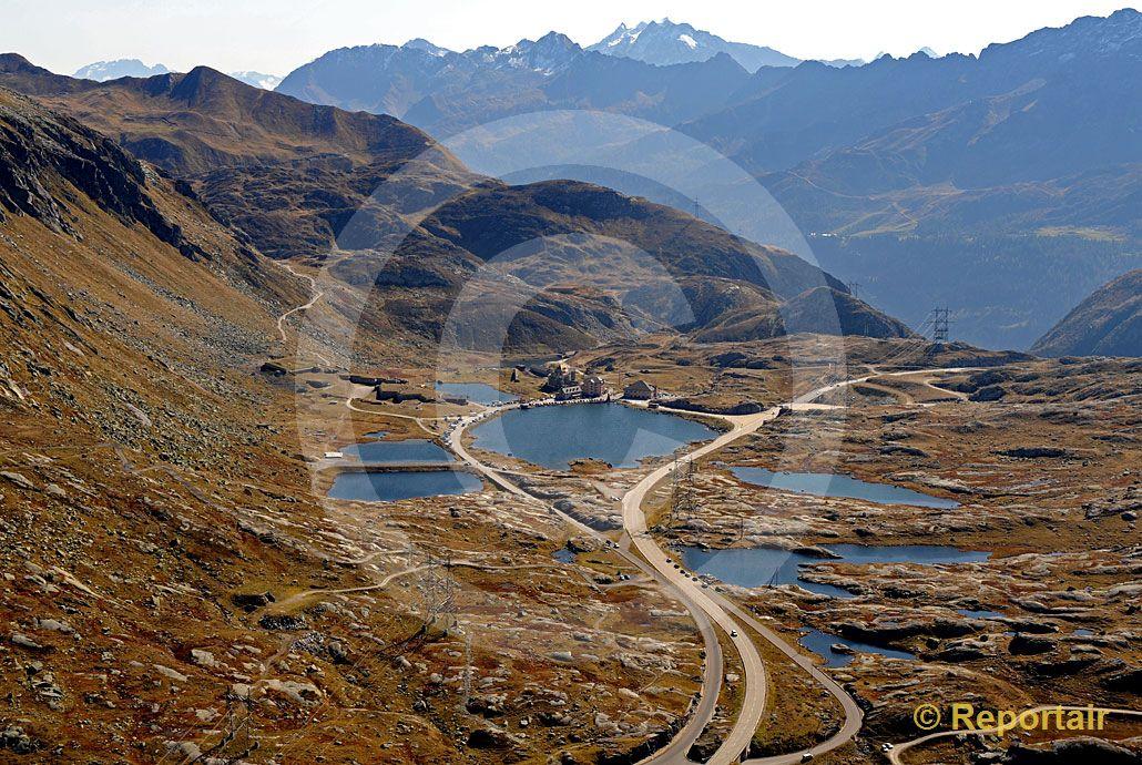 Foto: Der Gotthardpass. (Luftaufnahme von Niklaus Wächter)