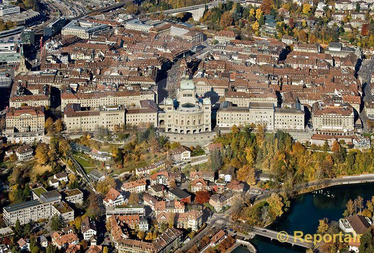 Foto: Das Bundeshaus  in Bern. (Luftaufnahme von Niklaus Wächter)