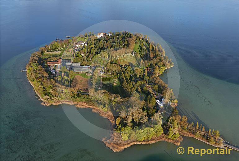 Foto: Die Insel Mainau D im April.. (Luftaufnahme von Niklaus Wächter)