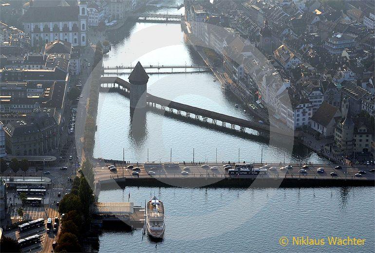 Foto: Kapellbruecke in Luzern. (Luftaufnahme von Niklaus Wächter)