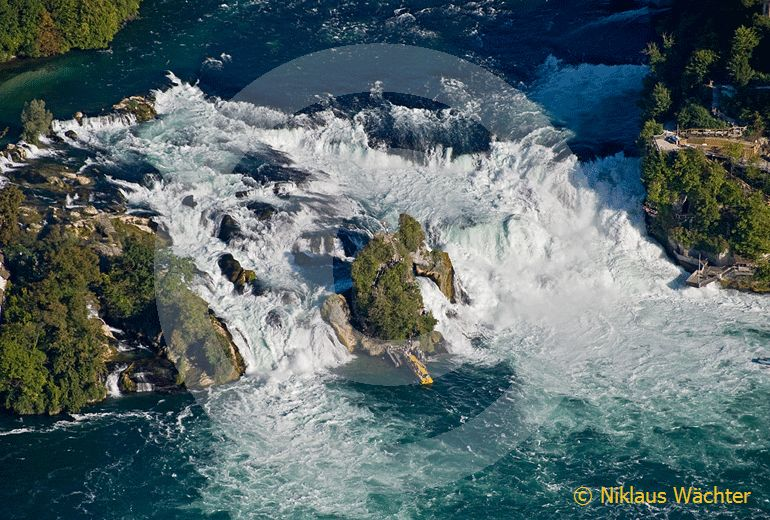 Foto: Der Rheinfall bei  Neuhausen SH. (Luftaufnahme von Niklaus Wächter)