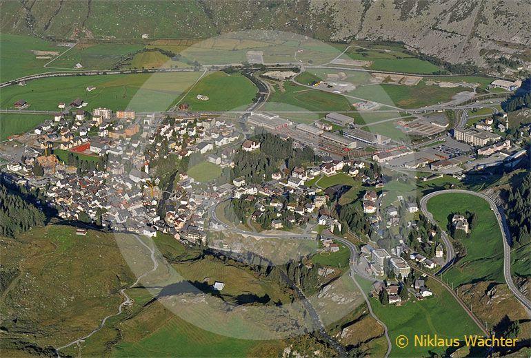 Foto: Andermatt (UR). (Luftaufnahme von Niklaus Wächter)