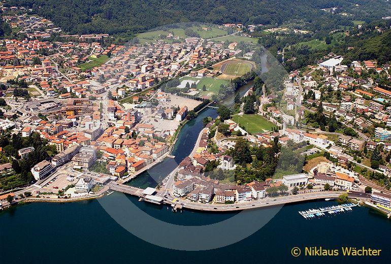 Foto: Ponte Tresa. (Luftaufnahme von Niklaus Wächter)
