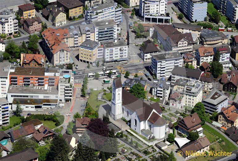Foto: Dorfzentrum Kriens (LU). (Luftaufnahme von Niklaus Wächter)