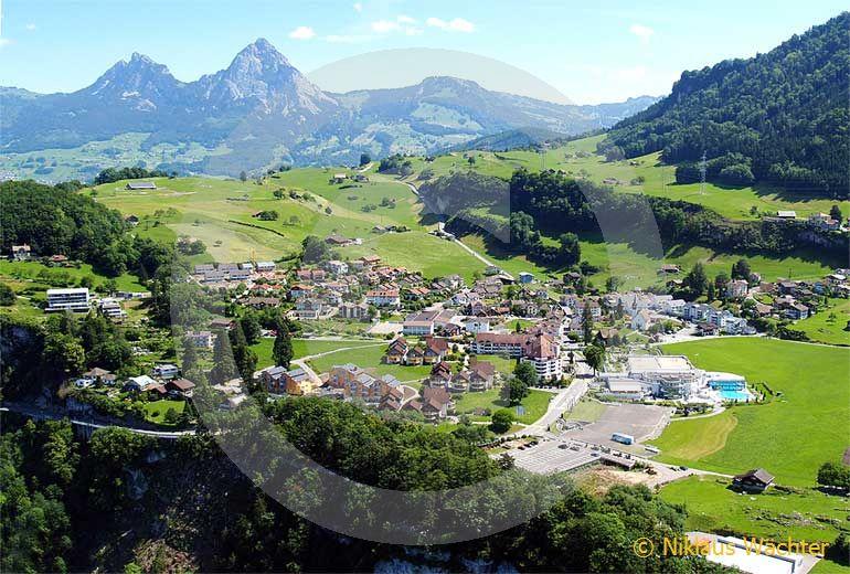 Foto: Morschach. (Luftaufnahme von Niklaus Wächter)