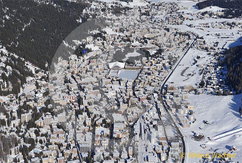 Foto: Davos (GR). (Luftaufnahme von Niklaus Wächter)