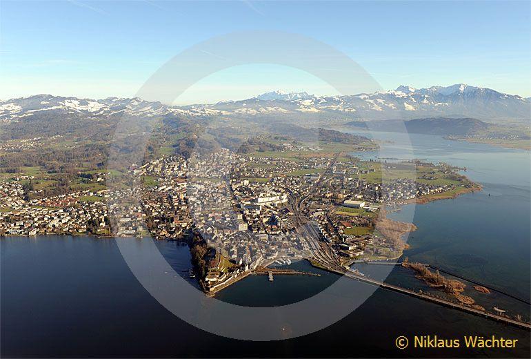 Foto: Rapperswil (SG). (Luftaufnahme von Niklaus Wächter)