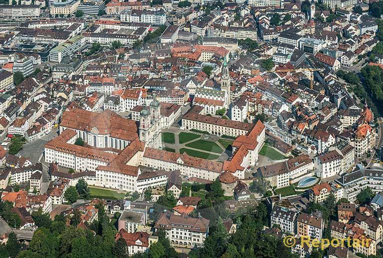 Foto: St.Gallen mit seiner Altstadt und dem Kloster.. (Luftaufnahme von Niklaus Wächter)