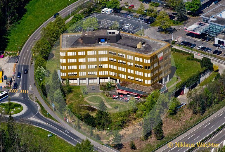 Foto: 3M in Rüschlikon (ZH). (Luftaufnahme von Niklaus Wächter)