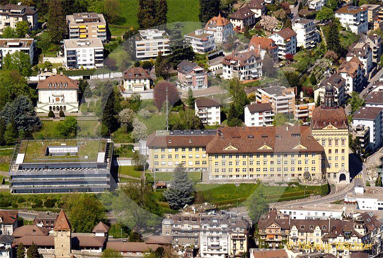 Foto: SUVA Hauptsitz in Luzern. (Luftaufnahme von Niklaus Wächter)