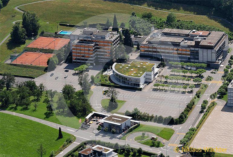Foto: Dow Chemical Company - Die europäische Konzernzentrale in Horgen ZH. (Luftaufnahme von Niklaus Wächter)