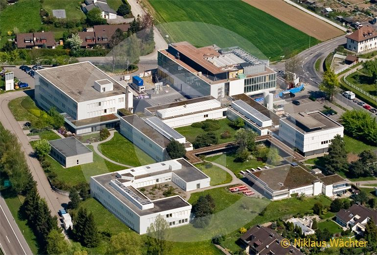 Foto: IBM Zurich Research Laboratory in Rüschlikon (ZH). (Luftaufnahme von Niklaus Wächter)
