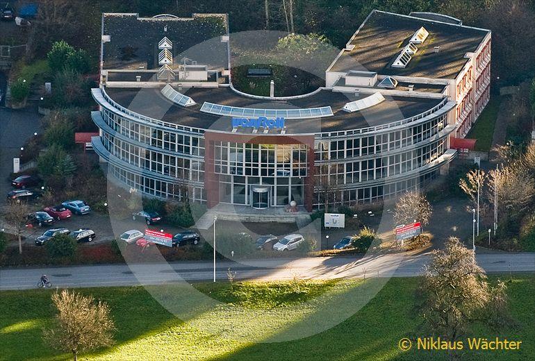 Foto: Hauptsitz der von Roll Holding in Wädenswil ZH. (Luftaufnahme von Niklaus Wächter)