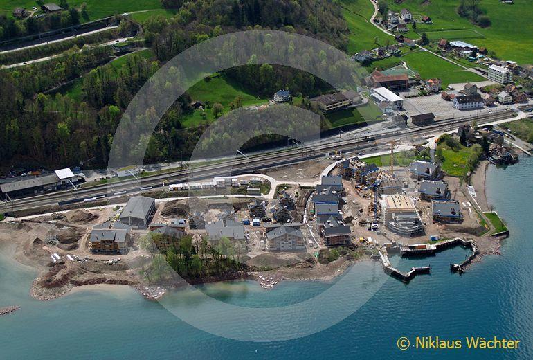 Foto: Bau einer Ferienanlage in Unterterzen am Walensee. (Luftaufnahme von Niklaus Wächter)