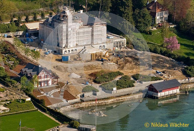 Foto: Ein weiteres Herrschaftshaus direkt am Seeufer in Meggen LU wird gebaut. (Luftaufnahme von Niklaus Wächter)