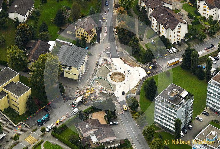 Foto: Bau einer Verkehrskreisels in Ebikon LU im Jahr 2008. (Luftaufnahme von Niklaus Wächter)