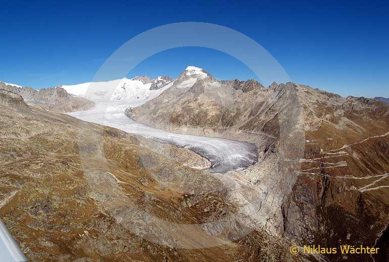 Foto: Der Rhonegletscher. (Luftaufnahme von Niklaus Wächter)