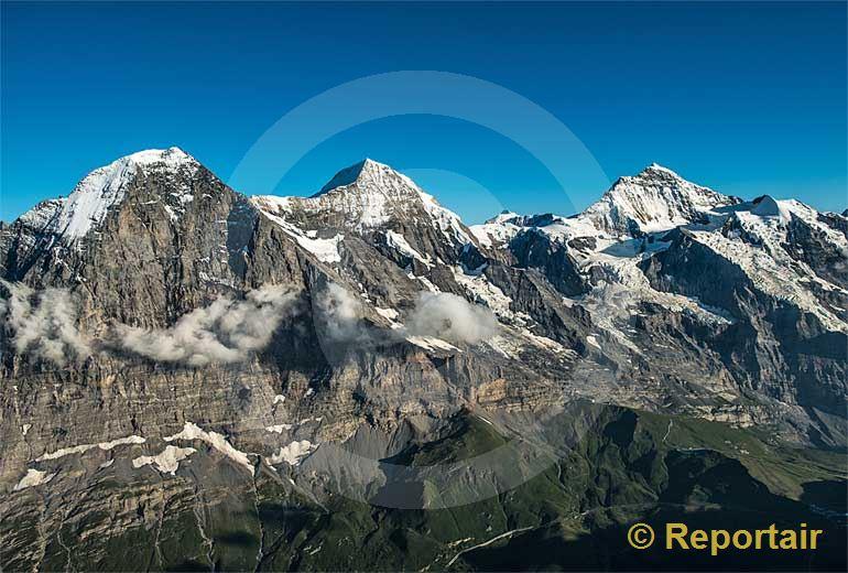 Foto: Eiger, Mönch und Jungfrau.. (Luftaufnahme von Niklaus Wächter)