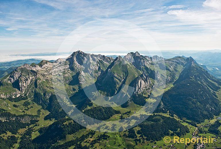 Foto: Der Alpstein von Süden betrachtet. (Luftaufnahme von Niklaus Wächter)