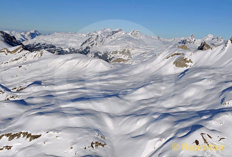 Foto: Die Rindermatt ob dem Schächental im Kanton Uri. (Luftaufnahme von Niklaus Wächter)