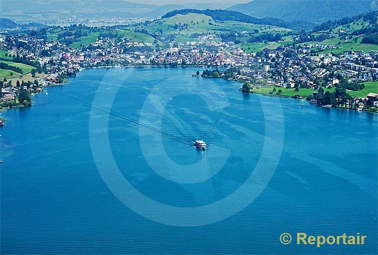 Foto: Küssnacht an der Rigi SZ mit der Küssnachter Bucht . (Luftaufnahme von Niklaus Wächter)