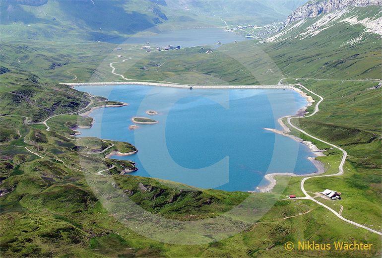 Foto: Der Tannsee im Hochtal von Melchsee-Frutt. (Luftaufnahme von Niklaus Wächter)