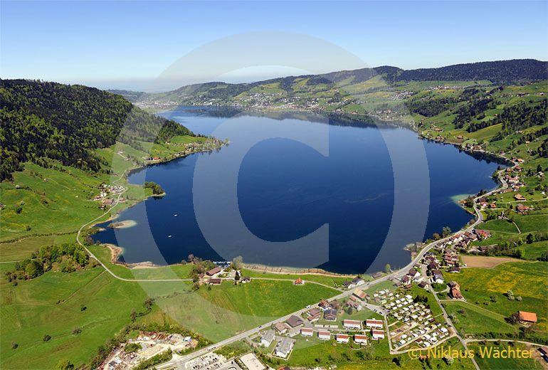 Foto: Der Ägerisee im Kanton Zug. (Luftaufnahme von Niklaus Wächter)