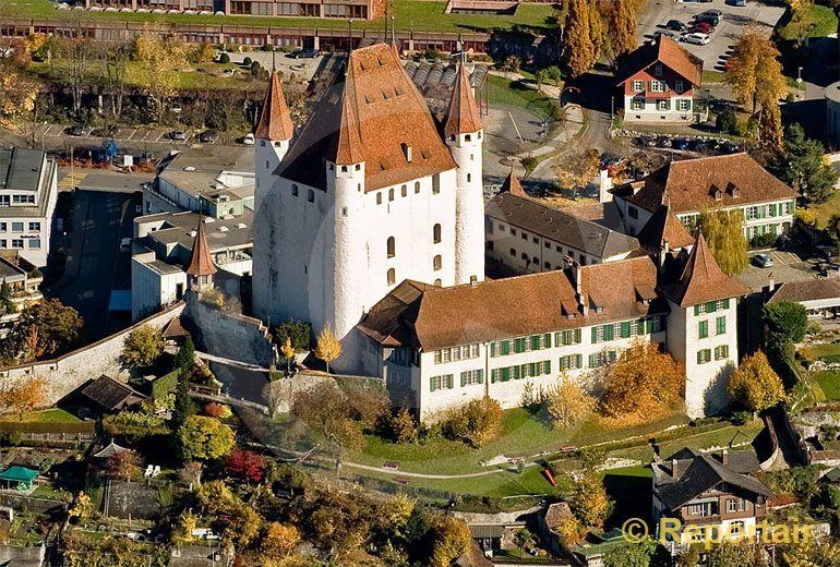 Foto: Schloss Thun. (Luftaufnahme von Niklaus Wächter)