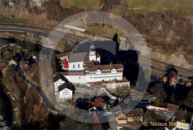 Foto: Das Kloster Werthenstein bei Wolhusen im Entlebuch. (Luftaufnahme von Niklaus Wächter)