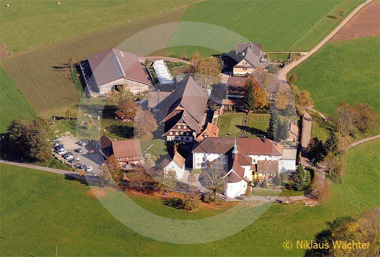 Foto: Das Kloster Gubel im Kanton Zug. (Luftaufnahme von Niklaus Wächter)