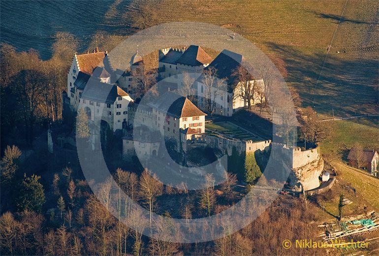 Foto: Schloss Lenzburg. (Luftaufnahme von Niklaus Wächter)