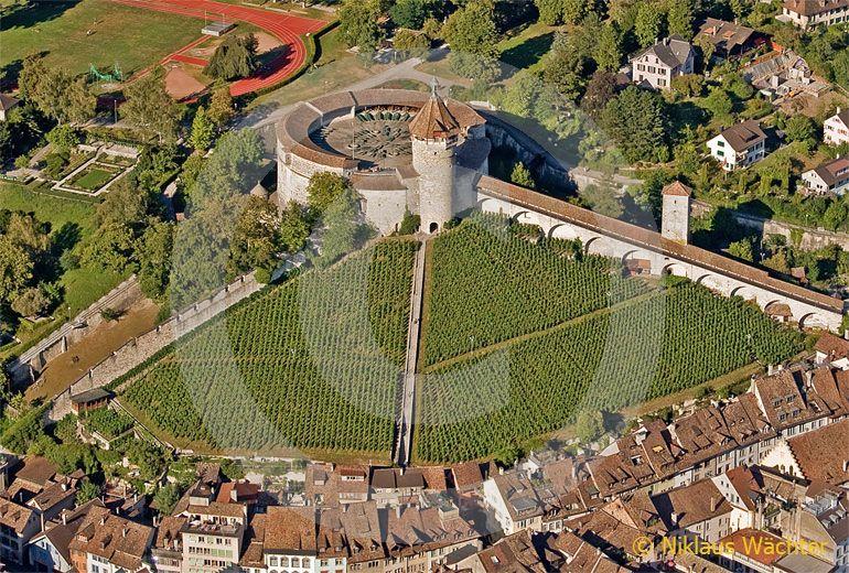 Foto: Festung Munot in Schaffhausen. (Luftaufnahme von Niklaus Wächter)