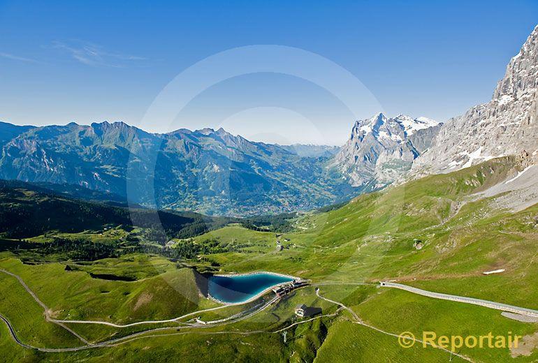 Foto: Die Kleine Scheidegg mit Grindelwald im Hintergrund BE. (Luftaufnahme von Niklaus Wächter)