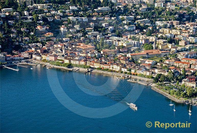 Foto: Ascona TI in der Abensonne. (Luftaufnahme von Niklaus Wächter)