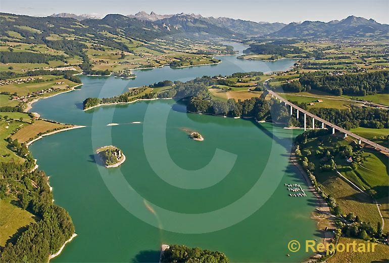 Foto: Lac der la Gruyere. (Luftaufnahme von Niklaus Wächter)