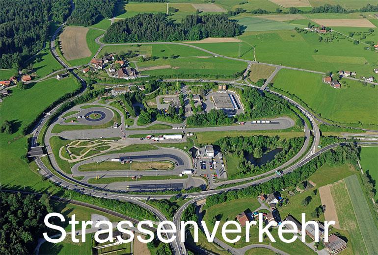 Foto: STRASSENVERKEHR. (Luftaufnahme von Niklaus Wächter)