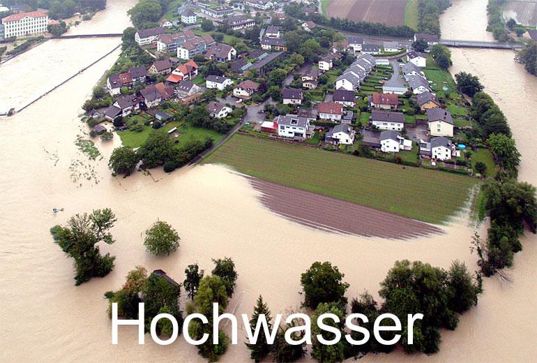 Foto: HOCHWASSER. (Luftaufnahme von Niklaus Wächter)