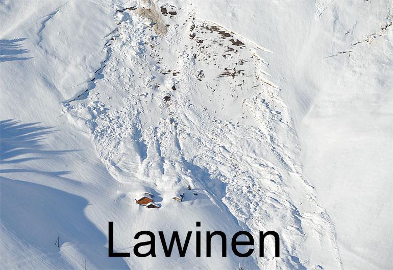 Foto: LAWINEN. (Luftaufnahme von Niklaus Wächter)