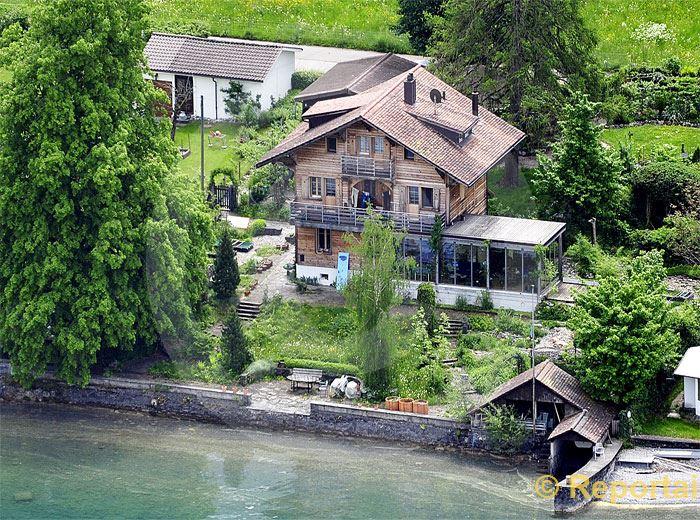 Foto: Einfamilienhaus am See.. (Luftaufnahme von Niklaus Wächter)